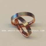 Mai Angebot € 1444.-  für ein Paar 4mm breite Trauringe 950Palladium und 585Roségold verschmelzen perfekt zu einer Einheit - gekrönt wird der Damenring mit einem 0,02ct twsi Princess-Diamanten